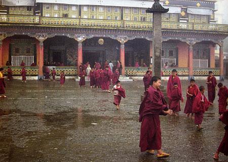 טיבט – נזירים עושים ניסים