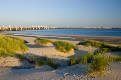 דרום הולנד: חומות של חול, סכרים ונהרות