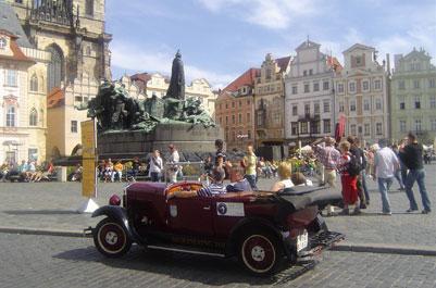 פראג במכונית עתיקה