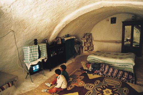 טוניסיה – במאטמאטה גרים במערות