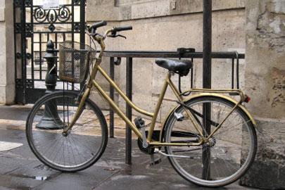 פריז דו-גלגלית