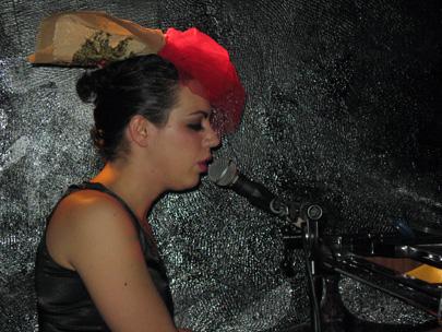 מוזיקת שוליים – טליה אליהב בהופעה