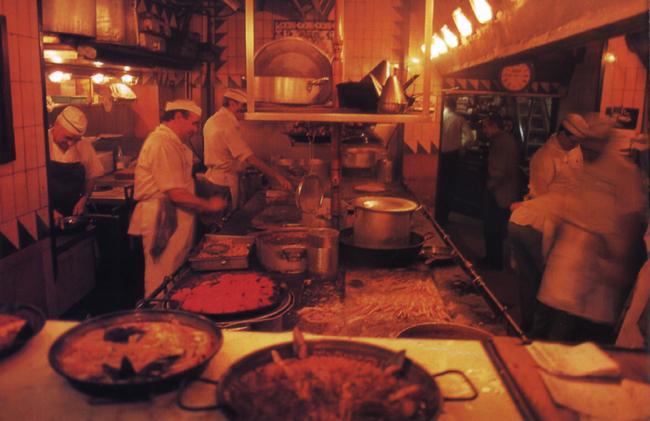 אוכל בברצלונה: שום, טאפאס ושמן זית