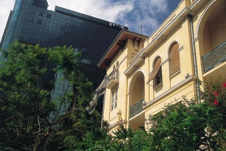 סיור אדריכלות בתל אביב – פנטזיה רומנטית