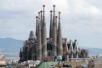 הקתדרלה של גאודי בברצלונה הפכה חלק ממיצג ייחודי
