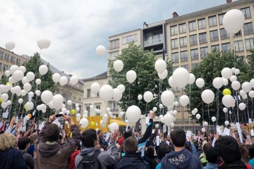 צעדה בגנט לזכר הנרצחים בבריסל