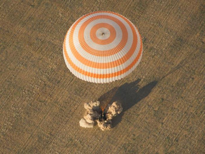 נחיתה רכה: החללית סיוז חזרה לכדור הארץ