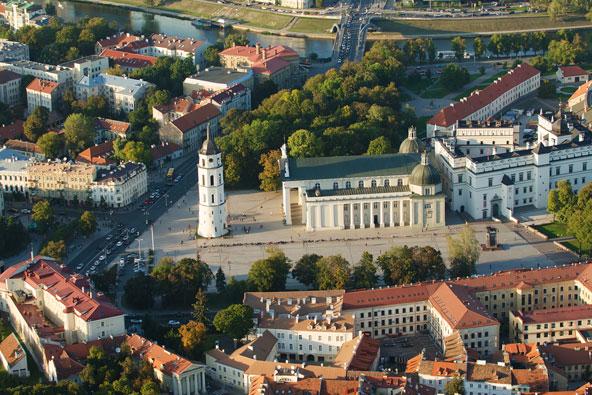 ליטא מחזרת אחר התייר הישראלי