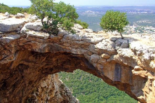פארק אדמית ומערת קשת – מסלולי טיול