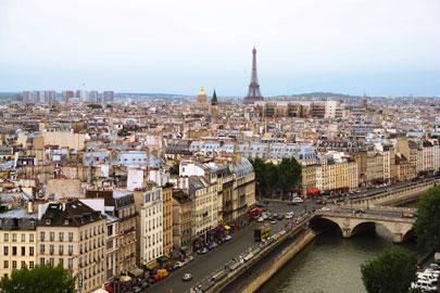 פריז – יום אחד בעיר