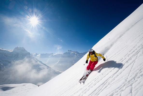 סקי: פתיתי השלג כבר כאן ובגדול