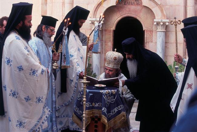 מנזר מרסבא: בלי נשים, בשר ותפוחים
