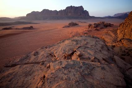 ירדן: טיול ג'יפים בנופי בראשית