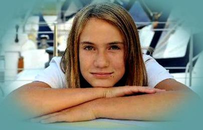 בת 16 הקיפה את העולם לבדה ביאכטה