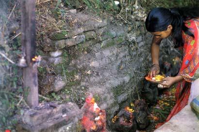 נפאל: פניו הזועמות של בודהא