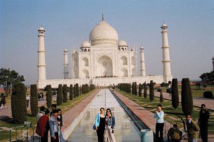 תרמילאיות בהודו. עושה לך כנפיים