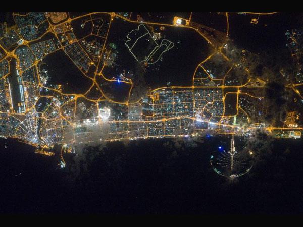 דובאי בלילה: מה שרואים משם לא רואים מכאן