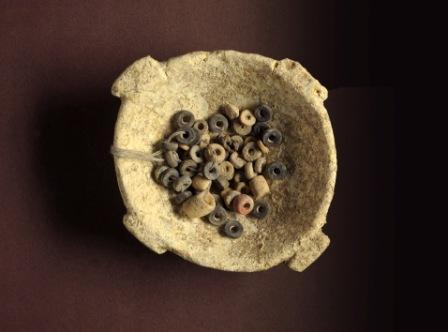 פסלונים וחרוזים מתקופת האבן התגלו בציפורי