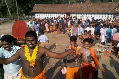 פסטיבל ניקוב הגוף בקראלה, הודו