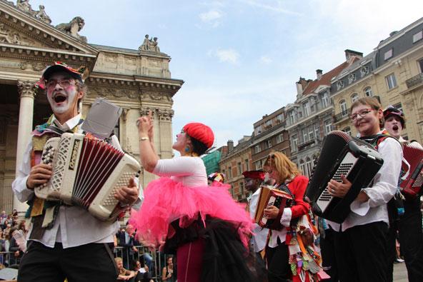 הזינקה בבריסל – המסיבה הכי טובה בעיר