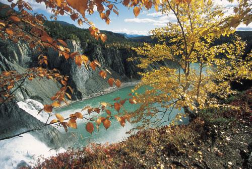 קנדה: שייט בנהר היפה בעולם