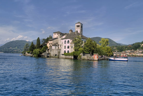האגמים הסודיים של אירופה