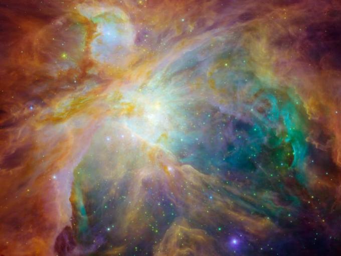 ערפילית אוריון: כאוס חללי מרהיב