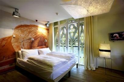 לישון במנזר: מלון ייחודי בהולנד