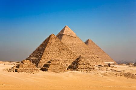 האם הפירמידות במצרים נמצאות בסכנה?