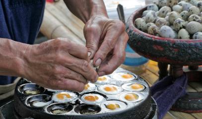 אוכל ביזארי: מסע קולינרי