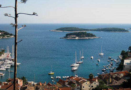 הפלגה בין איי קרואטיה