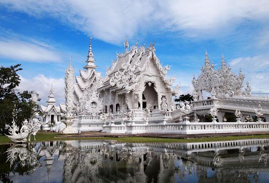 המקדש הלבן בצפון תאילנד