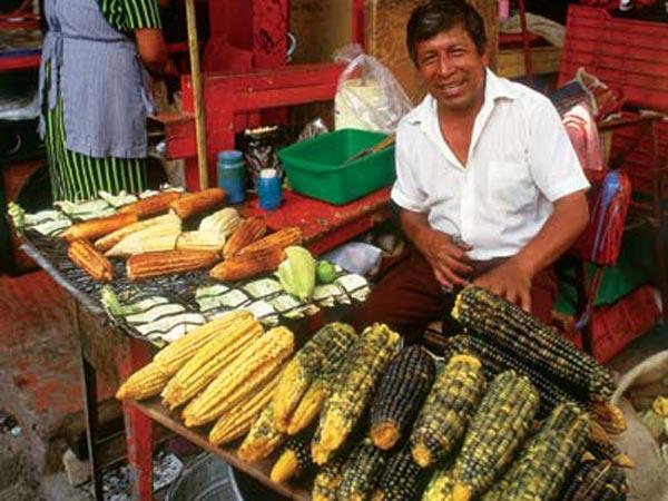 אוכל רחוב במקסיקו: לביבות התירס של הגורדה