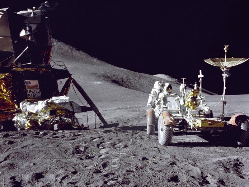 הליכת ירח – היום לפני 40 שנה