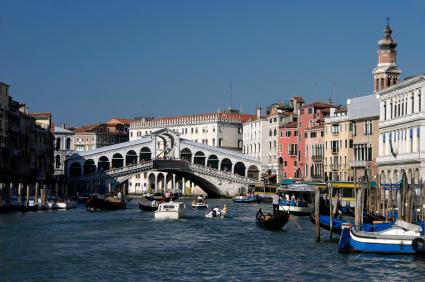 ונציה: שיט קיאקים בין התעלות והאיים