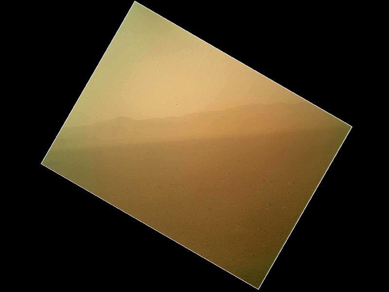 החללית סקרנות: תמונות צבע ראשונות ממאדים