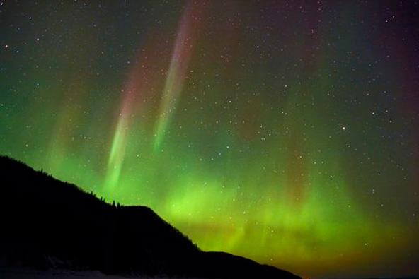 סרטון: מנפלאות הזוהר הצפוני