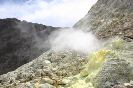 הרי געש בניו זילנד: ענן לבן בים הדרומי