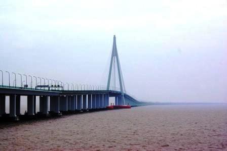 נחנך הגשר הימי הארוך בעולם