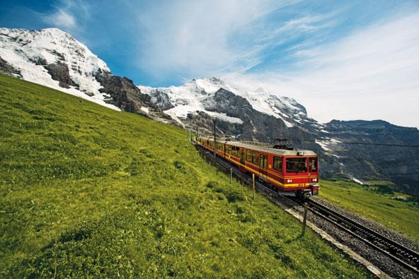 טיולי רכבות בשווייץ: בין הרים ואגמים