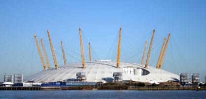 אדריכלות בלונדון: לבנים מחפשות משמעות