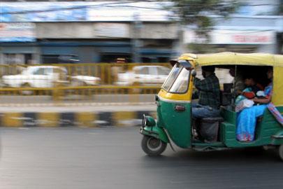 דלהי – מונית ראשונה