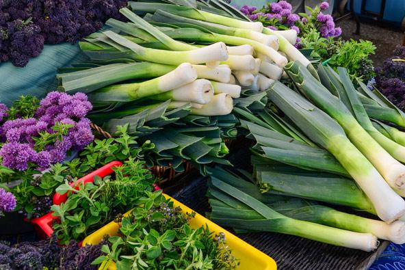 ירקות אורגניים בשוק האיכרים University District בסיאטל