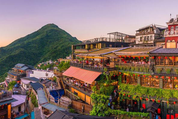 בתי תה מסורתיים ומסעדות המשקיפות אל הנוף בג'יופן