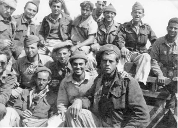 """לוחמי חטיבת הראל במהלך מלחמת העצמאות   צילום: ארכיון הפלמ""""ח"""