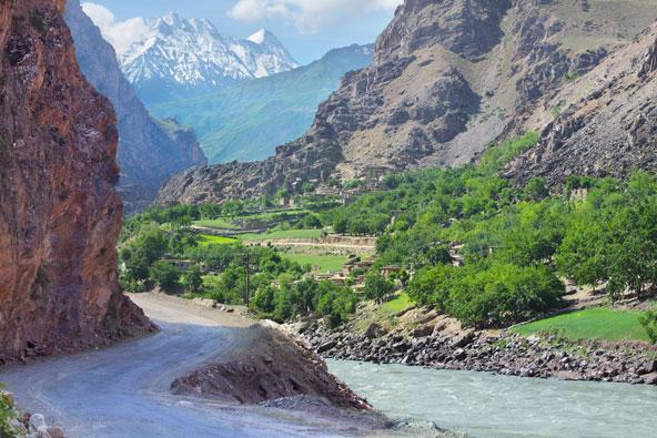 טג'יקיסטן: מסע לגג העולם
