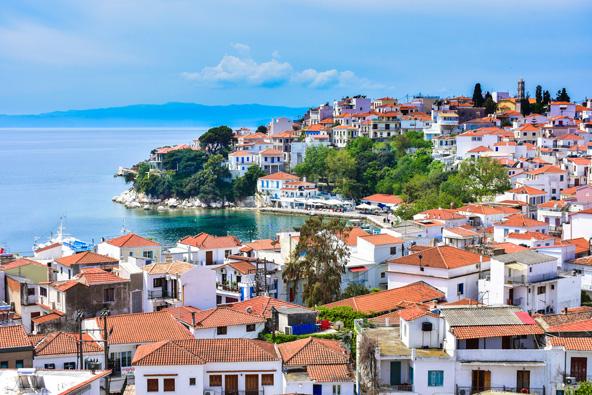 סקיאטוס: חופים, אטרקציות ובילויים