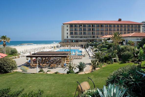שיפוץ מקיף במלון דן אכדיה