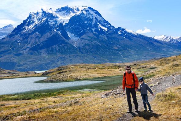 מטיילים בצ'ילה. טיול פרטי מהווה פתרון מצוין למי שרוצה להרחיב אופקים אבל לא מעוניין לטייל עם קבוצה