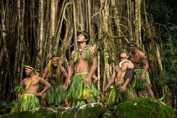 """שייט באיים הפולינזים בהדרכת ד""""ר גלעד (גילי) חסקין"""